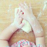 """""""Coccole in padella"""": laboratorio di cucina per genitori e bambini"""